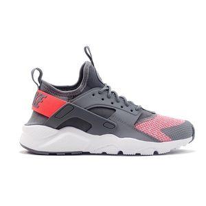 3174c6cece7e7 Nike Shoes - 🎊 New🎊 NIKE Air Huarache Ultra SE GS ~ 5Y